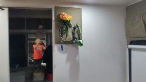 פינת המפתחות, הפנסים והפרחים